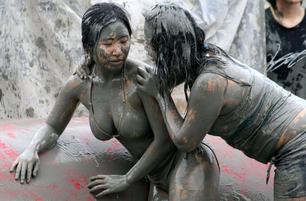 Бои девушки