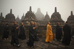 Весак монахи