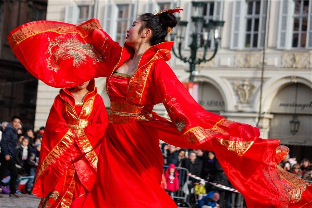 Китайский новый год танец