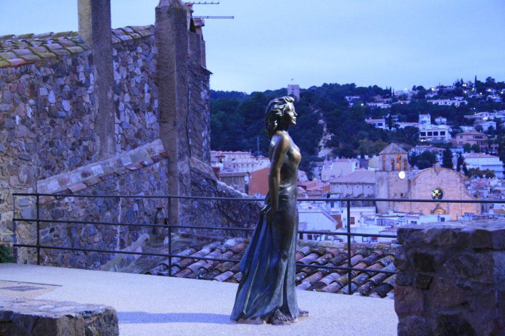 Статуя Авы Гарднер