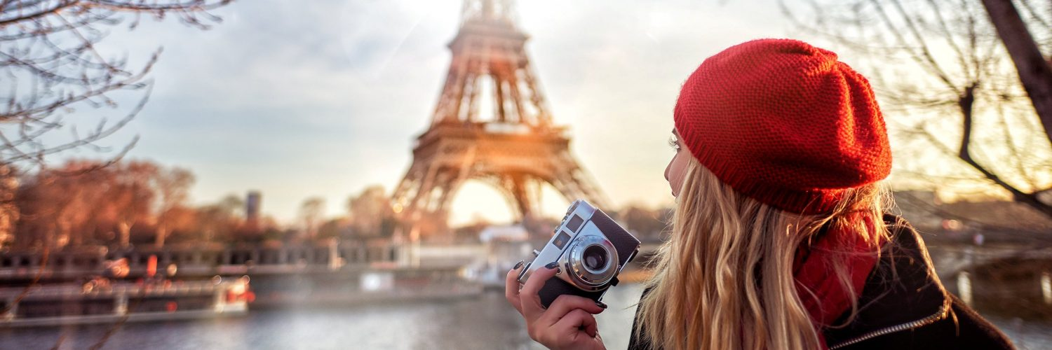 paris-girl-eiffel